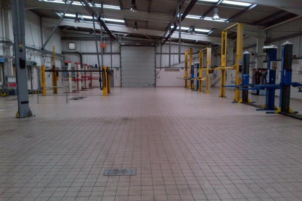 Garage & Showroom Cleaning